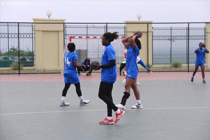 11 mes jeux africains handball f minin pr paration des lionnes indomptables alome photos. Black Bedroom Furniture Sets. Home Design Ideas